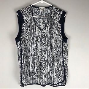 Dalia sleeveless blouse navy white print v neck